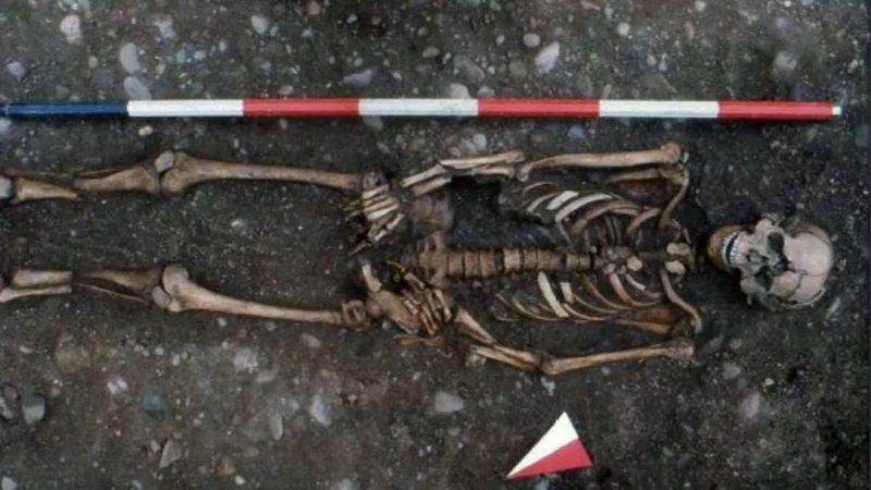 O esqueleto encontrado na Itália