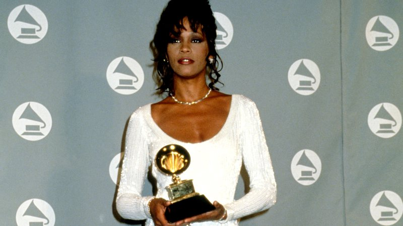 Whitney Houston é um dos vencedores da categoria Álbum do Ano