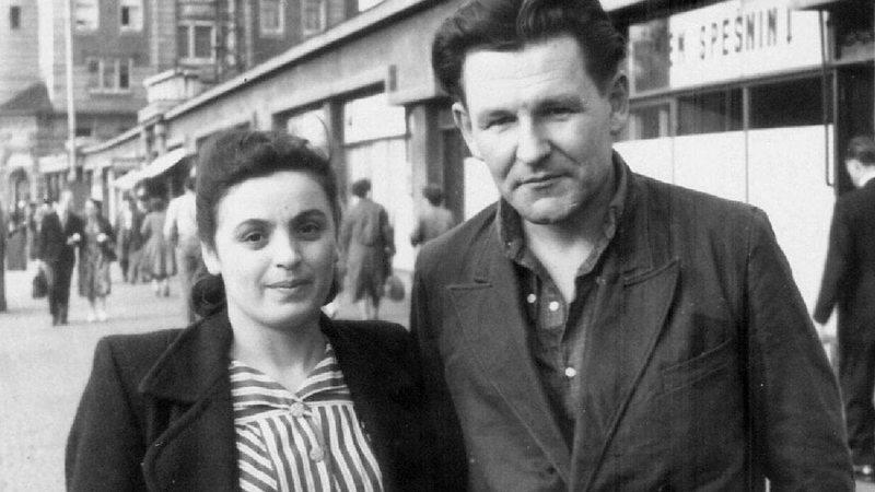 Cecilia Kovachova ao lado de seu marido