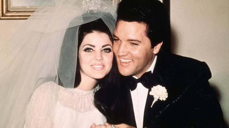 Elvis e Priscilla Presley em seu casamento
