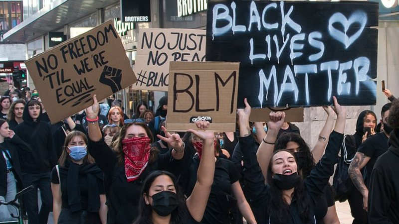 Foto de manifestação do Black Lives Matter
