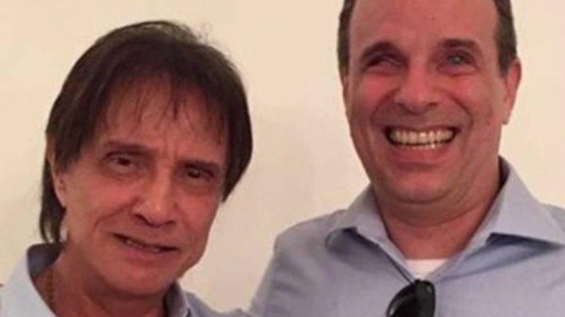 Roberto Carlos ao lado do filho