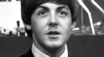 Fotografia de Paul McCartney em meados de 1964 - Wikimedia Commons
