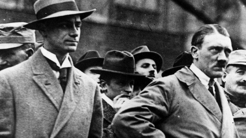 Aventuras na História · Alfred Rosenberg: a mente por trás de Hitler