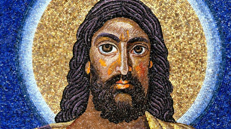 Na Basílica de São Cosme e Damião, Roma, um jesus bem mais escuro do que representações posteriores