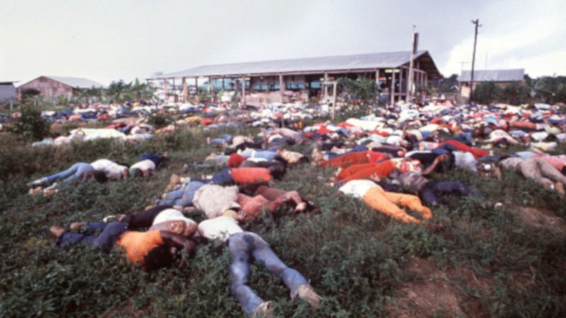 Corpos encontrados no massacre de Jonestown