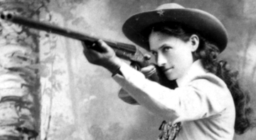 A legendária Annie Oakley - Wikimedia Commons
