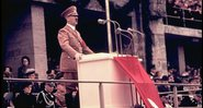 Hitler discursa na celebração May Day, no estádio Olímpico - Getty Images