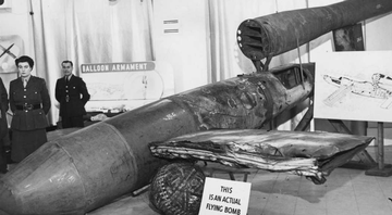 Bomba V-1 é exposta em Londres, em 1944 - Getty Images