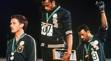 Tommie Smith e John Carlos - Reprodução/Associated Press