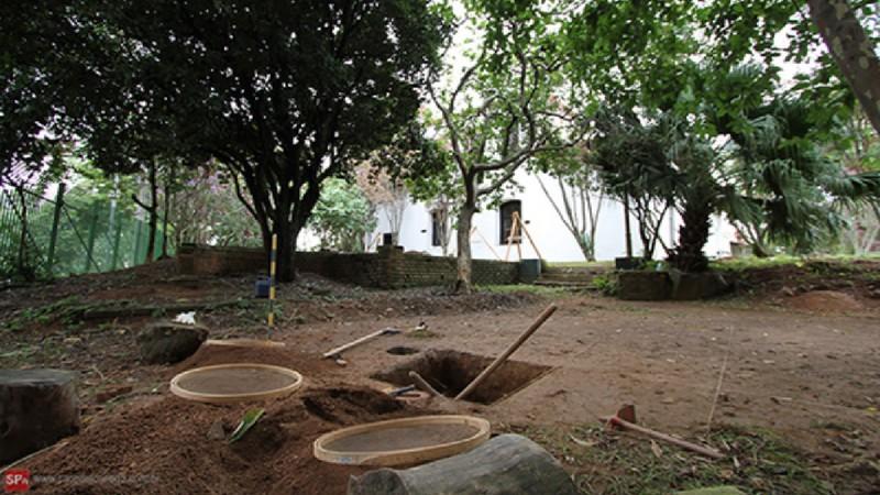 Escavação no Sítio Morrinhos. Foto: Centro de Arqueologia de São Paulo.