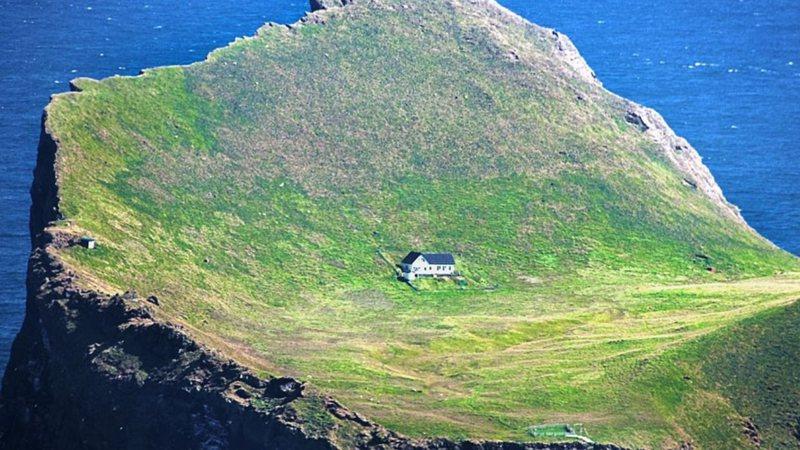 Chalé isolado na Ilha Elliðaey