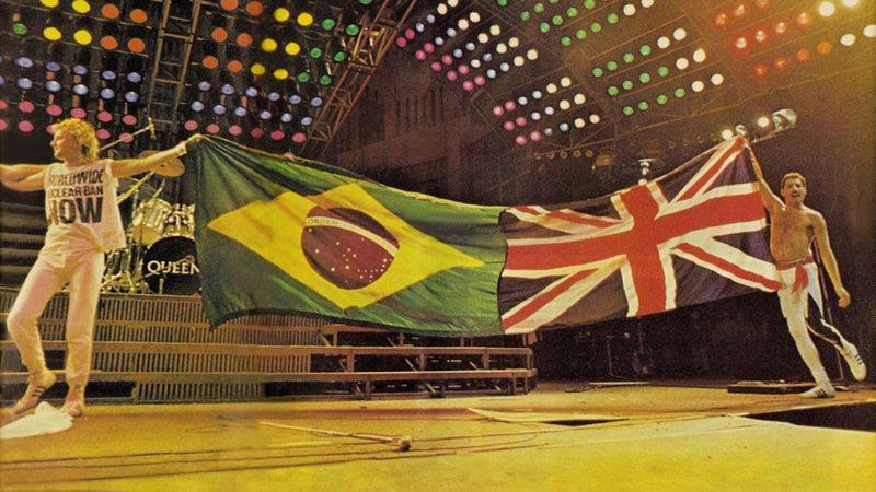 Roger Taylor e Freddie Mercury após concluir show do Rock in Rio
