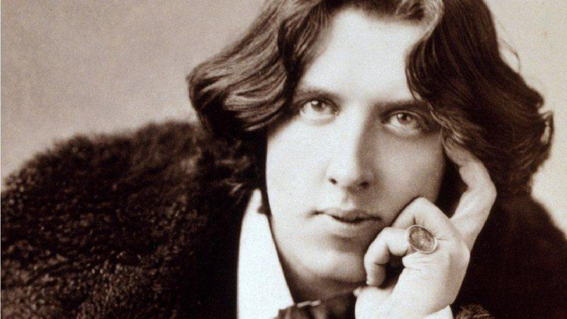 O escritor irlandês Oscar Wilde