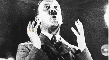 Adolf Hitler durante um discurso - Getty Images