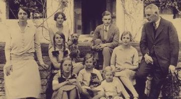A família Mitford - Wikimedia Commons
