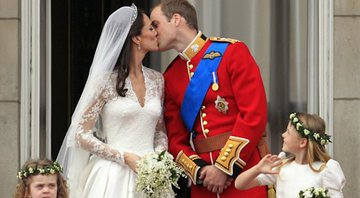 Kate Middleton e Príncipe William no dia de seu casamento - Wikimedia Commons