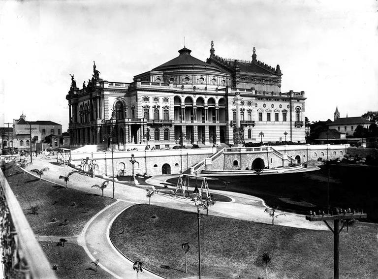 O Theatro Municipal, a obra mais famosa de Ramos de Azevedo