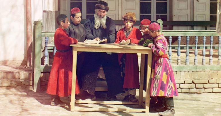 Judeus uzbeques, rabino e crianças