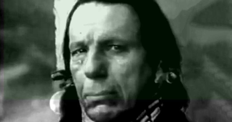 Nativo chorando numa famosa campanha pró-ecologia dos anos 1970