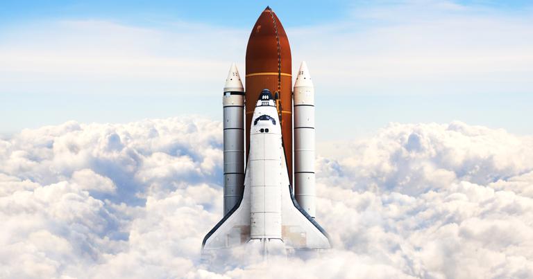 Ônibus espacial durante uma missão