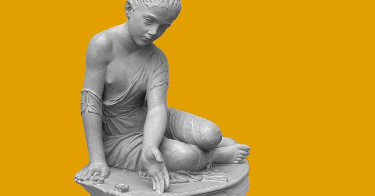 Menina jogando, estátua romana