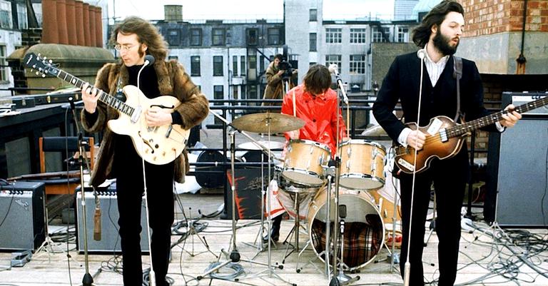 A última performance pública da banda no telhado da Apple Records