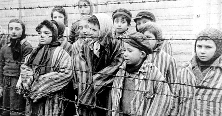 Cerca de 1,5 milhão de pessoas morreram em Auschwitz, a maioria em câmaras de gás