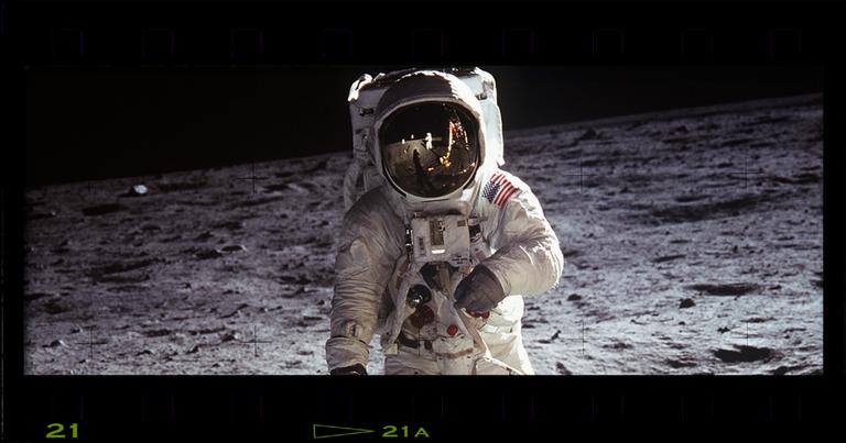 O governo da URSS parabenizou a Apollo, mas a NASA estava na mira da KGB
