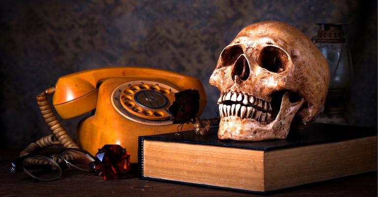 Agente funerário decidiu acabar com a profissão de telefonista