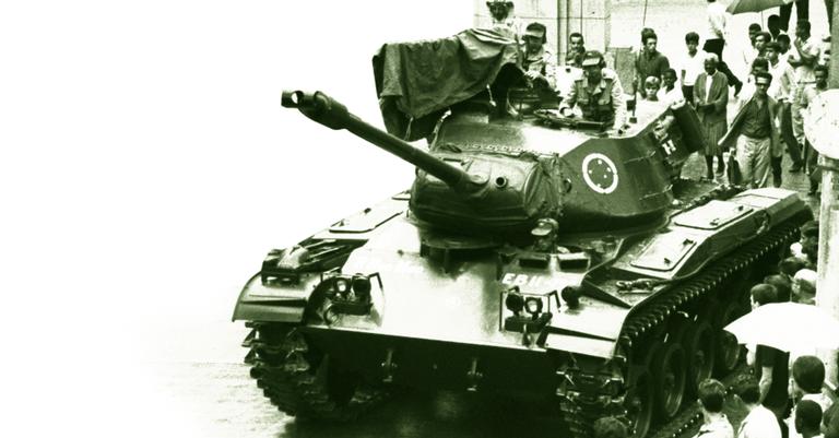 Tanques amanheceram defendendo o presidente João Goulart, mas trocaram de lado antes do fim do dia