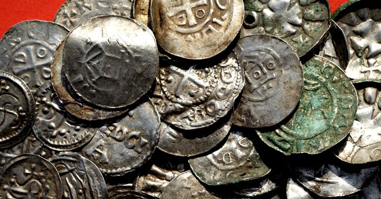 Várias das moedas encontradas