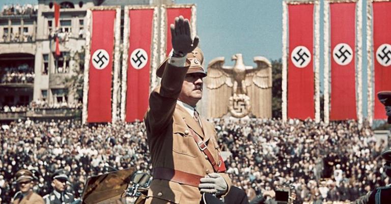 Vida pública alemã é baseada na prevenção do ressurgimento do nazismo