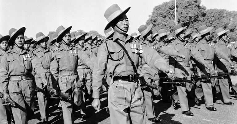Soldados Ghurkas durante a Segunda Guerra