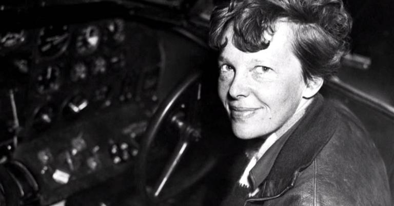 Amelia Earhart, a primeira mulher a cruzar o Atlântico sozinha