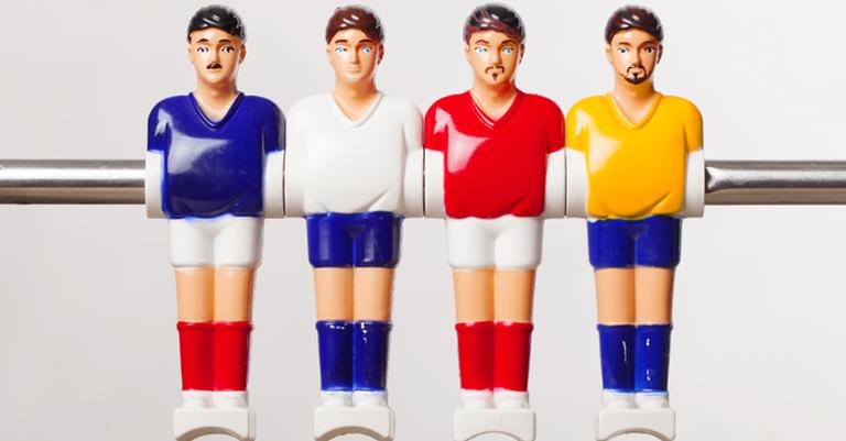 Seleção já vestiu camisas nas cores azul, amarela, branca e até vermelha