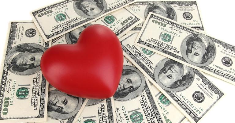 O amor não tem preço, mas aumenta as vendas