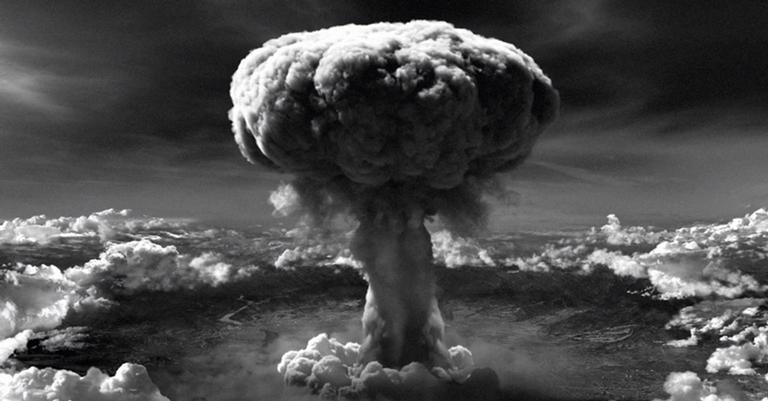 Momento em que a bomba 'Little Boy' explodiu em Hiroshima