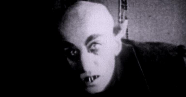 Nosferatu (1922) traz uma visão mais próxima das lendas que os filmes hollywoodianos que se seguiram