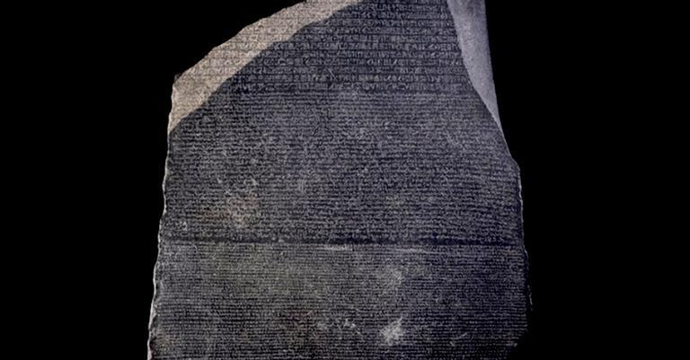 O bloco de pedra que ajudou a desvendar a história do Egito Antigo