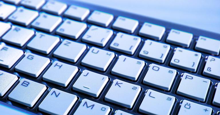 Nem sempre o teclado foi a forma de se comunicar com os computadores