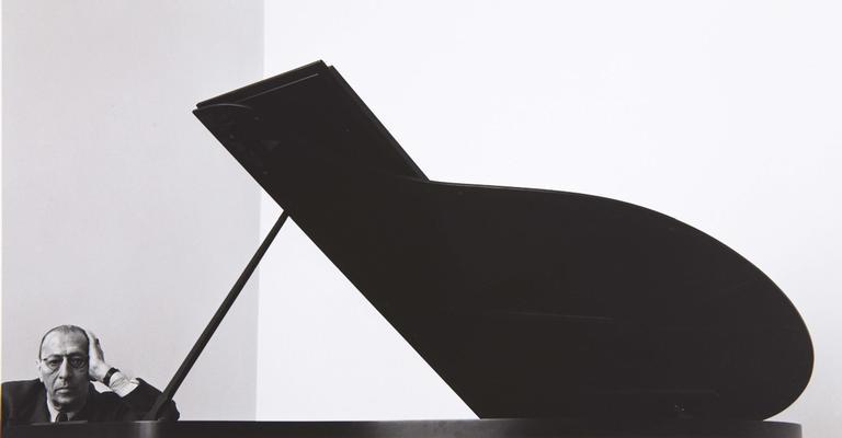 Igor Stravinsky e seu piano