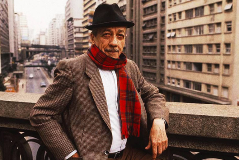 Adoniran Barbosa extraiu da cidade a inspiração para compor suas canções e seus tipos
