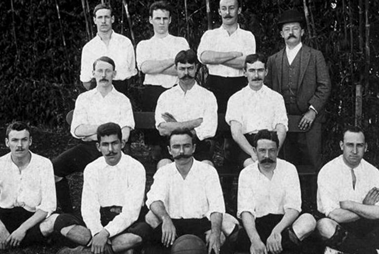 O time do SPA em 1905, com Charles Miller no meio