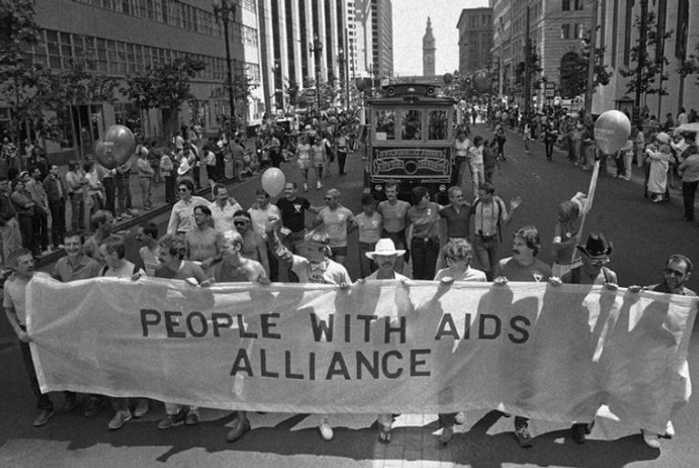 """""""Aliança das pessoas com aids"""""""