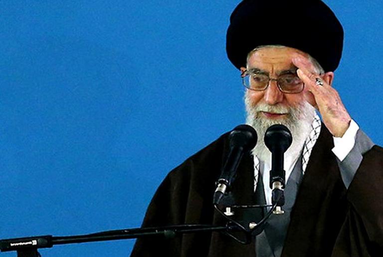 O líder supremo do Irã, aiatolá Khomeini.