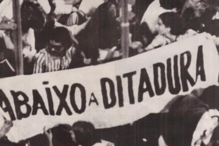 Cartaz em protesto no regime militar