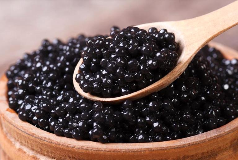 Caviar é visto como comida de luxo nos dias de hoje