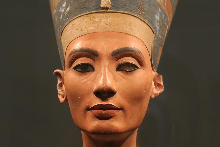 O busto de Nefertiti, encontrado em 1912
