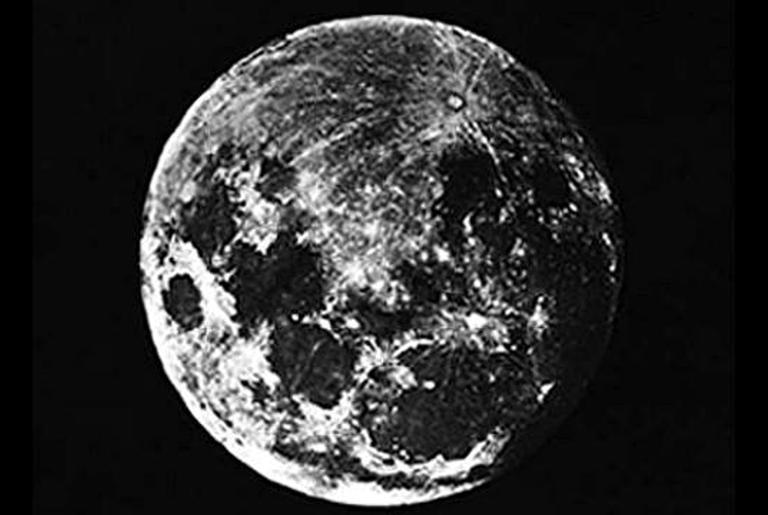 Primeira foto da lua, tirada em 1839
